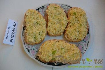 Горячие бутерброды с луком, сыром и яйцом Шаг 5 (картинка)