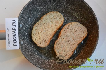 Горячие бутерброды с луком, сыром и яйцом Шаг 6 (картинка)