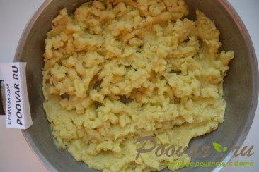 Жареные пирожки с сосиской и картошкой Шаг 4 (картинка)