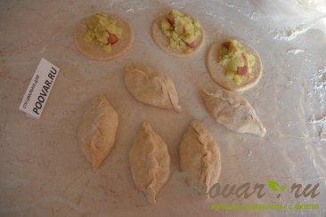 Жареные пирожки с сосиской и картошкой Шаг 10 (картинка)