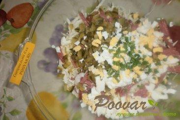 Салат из пекинской капусты с колбасой и огурцами Шаг 4 (картинка)