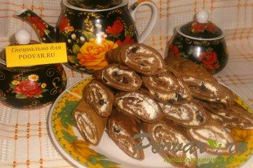 Шоколадные блинчики с творогом и черносливом Изображение