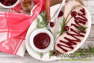 Свинина в духовке под вишневым соусом Изображение