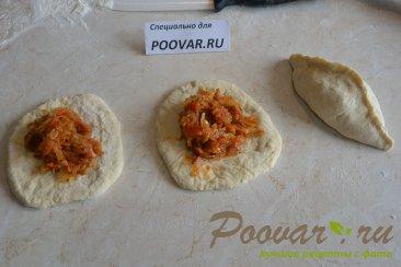 Постные пирожки с капустой из дрожжевого теста Шаг 10 (картинка)