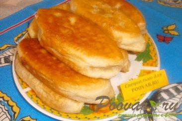 Постные жареные пирожки с луком и картофелем Изображение