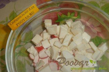 Салат из крабовых палочек с сыром и грибами Шаг 5 (картинка)