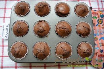 Кофейно-шоколадные маффины с клюквой Шаг 9 (картинка)
