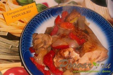 Жареная курица с луком, грибами и перцем Шаг 10 (картинка)