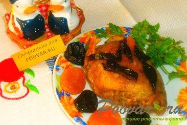 Куриные бёдрышки с черносливом и курагой Изображение