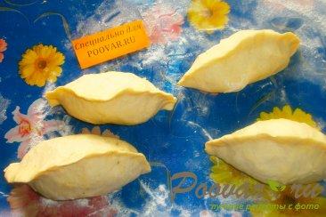 Пирожки с луком и яйцом на кефире Шаг 10 (картинка)