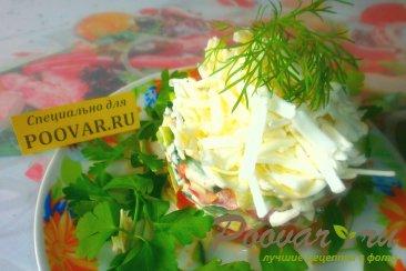 Салат из огурцов, помидоров и плавленого сыра Шаг 5 (картинка)