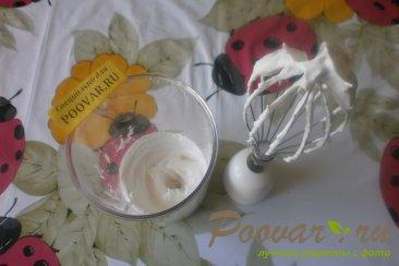 Сырники с белковым кремом и клубникой Шаг 9 (картинка)