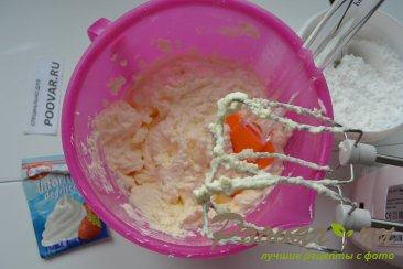 Бананово-клубничный торт со сливками Шаг 12 (картинка)