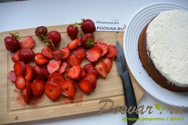 Бананово-клубничный торт со сливками Шаг 15 (картинка)