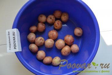 Молодая картошка жареная на сковороде целиком Шаг 1 (картинка)