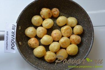 Молодая картошка жареная на сковороде целиком Шаг 4 (картинка)