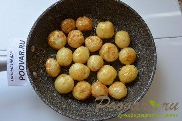 Молодая картошка жареная на сковороде целиком Шаг 7 (картинка)