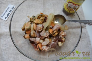 Морской коктейль в сливочном соусе Шаг 1 (картинка)