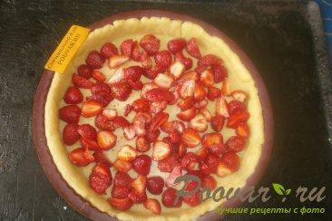 Пирог с клубникой в сметанной заливке Шаг 12 (картинка)