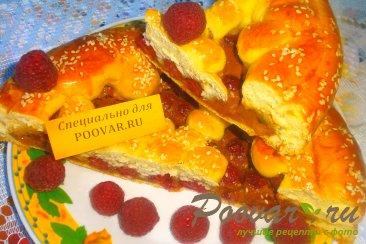 Пирог с малиной и сгущёнкой Изображение