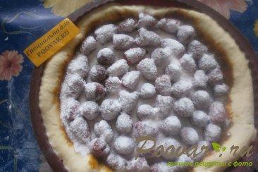 Пирог с малиной и сгущёнкой Шаг 8 (картинка)