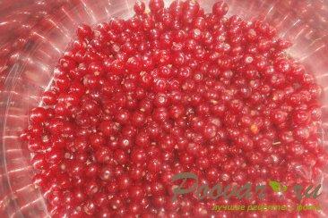 Варенье из красной смородины с фруктами Шаг 5 (картинка)