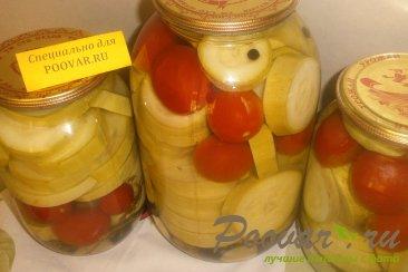 Маринованные кабачки с помидорами Изображение
