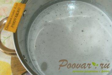Варенье-желе из чёрной смородины с корицей Шаг 6 (картинка)