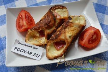 Горячие бутерброды с сыром и колбасой Изображение