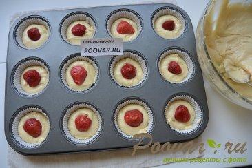 Кексы с клубникой и шоколадом Шаг 7 (картинка)