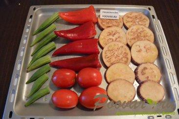 Бамия с овощами запеченная в духовке Шаг 4 (картинка)