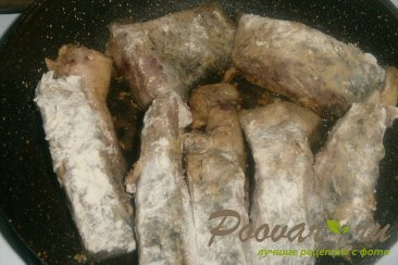 Карп в томате с луком Шаг 4 (картинка)