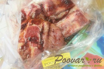 Свиные рёбрышки в рукаве в смородиновом сиропе Шаг 4 (картинка)