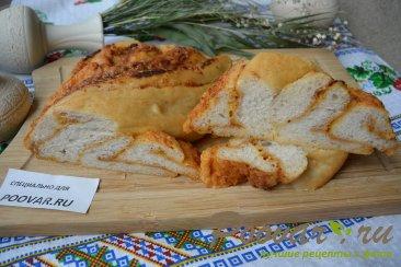 Хлеб-багет с сыром и чесноком Изображение