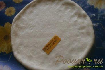 Пицца с луком и маринованными огурцами Шаг 7 (картинка)