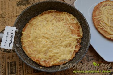 Быстрый завтрак из омлета и сыра за 5 минут Шаг 7 (картинка)