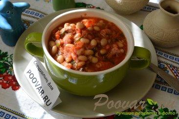 Фасоль с колбасками в томатном соусе Изображение