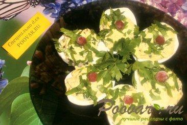 Фаршированные яйца с тыквой и вялеными помидорами Изображение