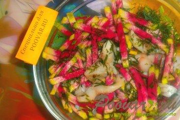 Салат из редиса арбузного с сельдью Шаг 6 (картинка)