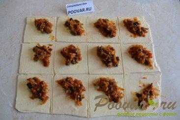 Пирожки из слоеного теста с капустой и грибами Шаг 6 (картинка)