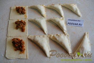 Пирожки из слоеного теста с капустой и грибами Шаг 7 (картинка)