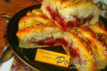 Пирог со сливой и орехами Изображение
