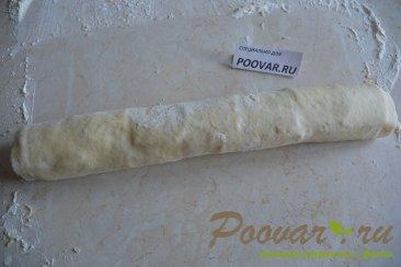 Рулетики из слоеного теста с колбасой и сыром Шаг 5 (картинка)
