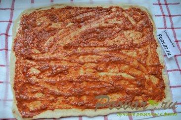 Пицца домашняя с колбасой и сыром Шаг 9 (картинка)