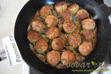 Фрикадельки с грибами в сливочном соусе Шаг 6 (картинка)