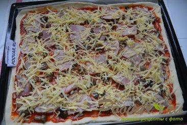 Пицца с грибами и колбасой Шаг 13 (картинка)
