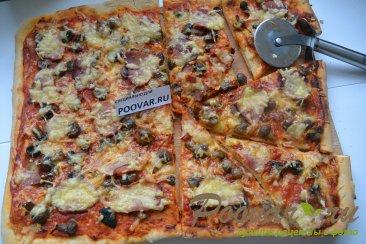 Пицца с грибами и колбасой Шаг 15 (картинка)