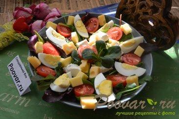 Овощной салат с сыром Изображение