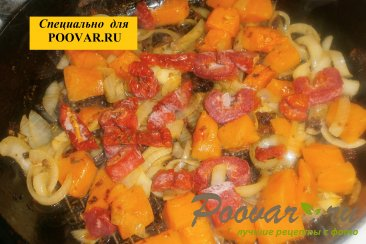 Куриные голени с тыквой и вялеными помидорами Шаг 10 (картинка)