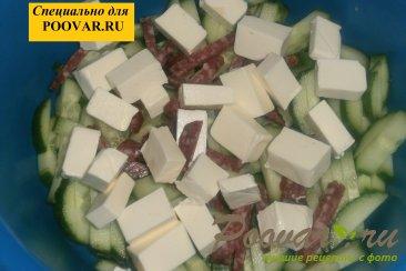 Салат из огурцов с колбасой и сыром Шаг 3 (картинка)